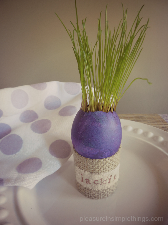 grass in eggshell placecard